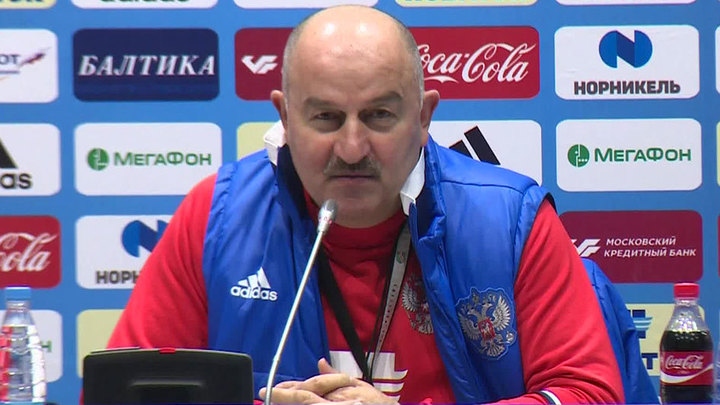 Станислав Черчесов привился от коронавируса