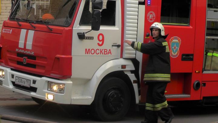 В Москве загорелся ночной клуб с караоке, пристройки обрушились