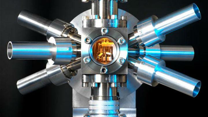 Физики протестировали сверхточные атомные часы