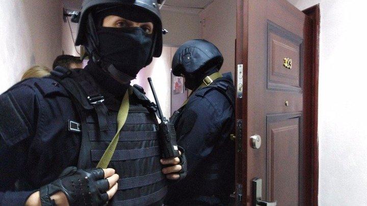 """Песков сказал журналистам, что силовики """"делают свою работу"""""""