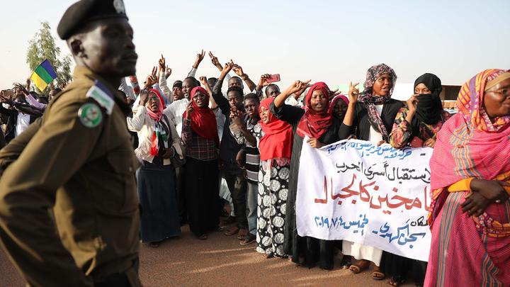 Военные и оппозиция Судана договорились создать совместный высший орган власти