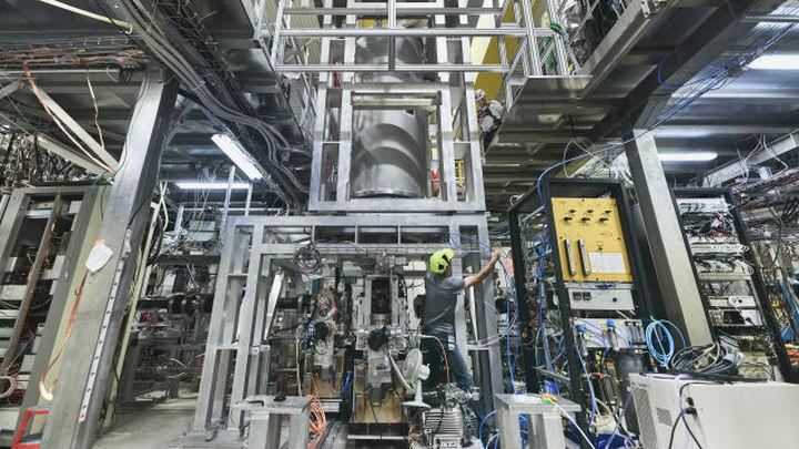 В CERN стартовали эксперименты с падающей антиматерией