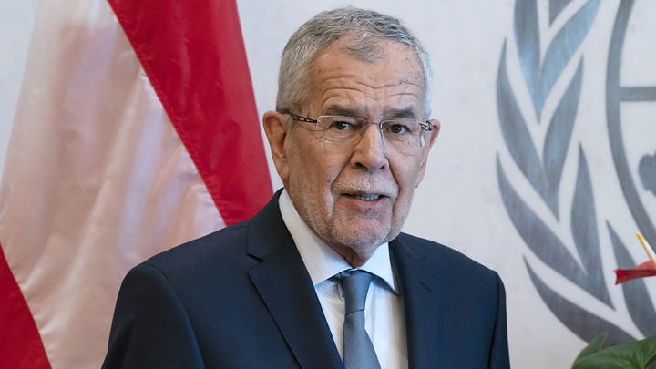 Президент Австрии сделал прививку от коронавируса