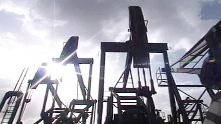 Нефть дешевеет из-за ситуации с коронавирусом в Индии