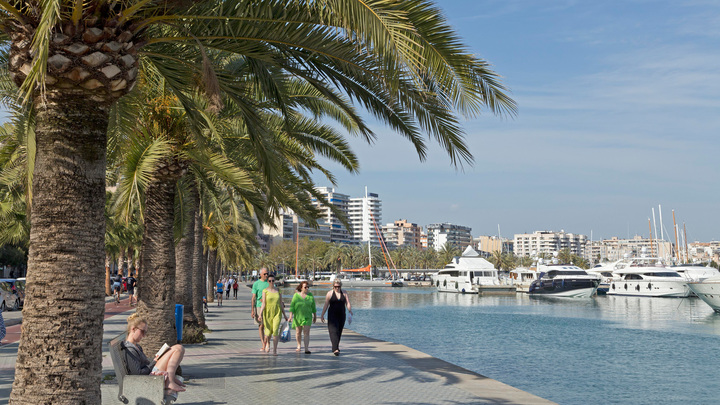 Сидоров: есть надежда, что россияне смогут поехать в Каталонию в августе-сентябре