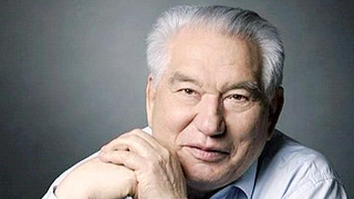 Собянин утвердил установку монумента Чингизу Айтматову в российской столице