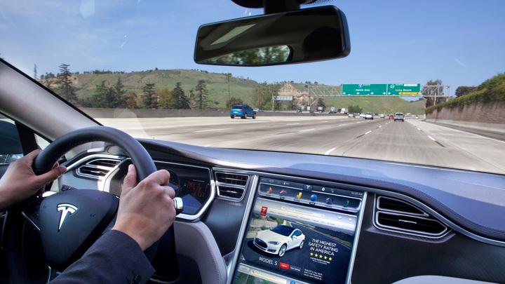 """Tesla расширяет тестирование """"полного автопилота"""""""