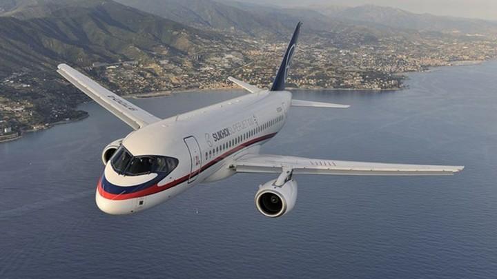 Мантуров: Россия и Сербия обсуждают поставку самолетов SSJ-100