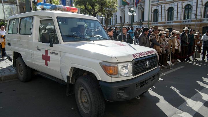В Боливии маршрутное такси упало в пропасть, пять человек погибли