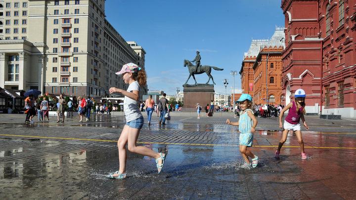 Погода в Москве: жарко, душно и дождливо