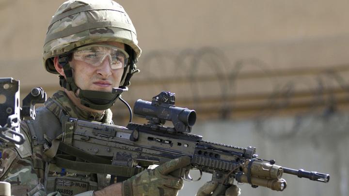Солдаты НАТО заинтересовались российским судном