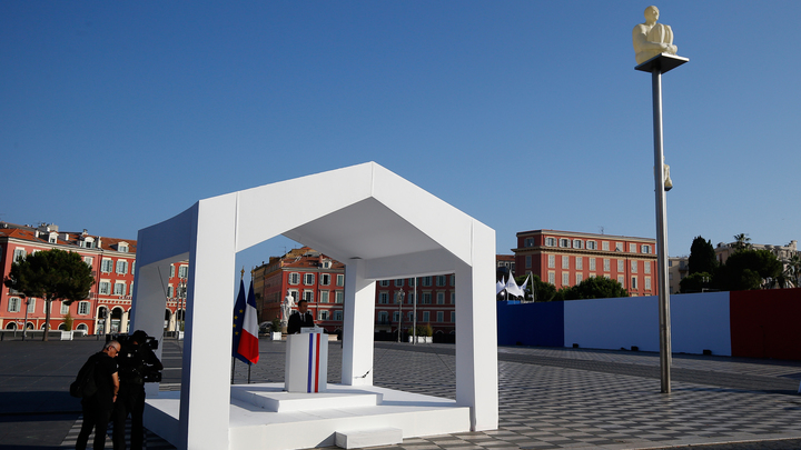 В Ницце почтили память жертв теракта на Английской набережной