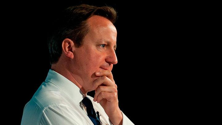 """Кэмерон лично извинится перед королевой за слова о """"мурлыканье"""""""