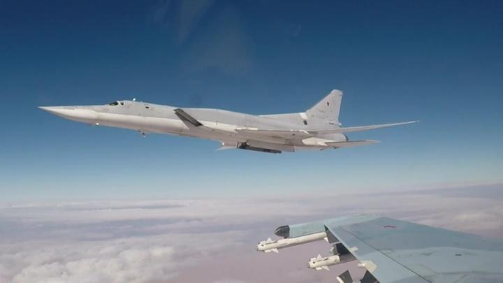 Российские бомбардировщики пролетели над Черным морем