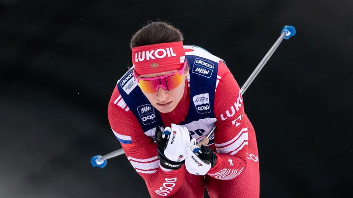 Лыжницы Непряева и Ступак представят Россию в командном спринте