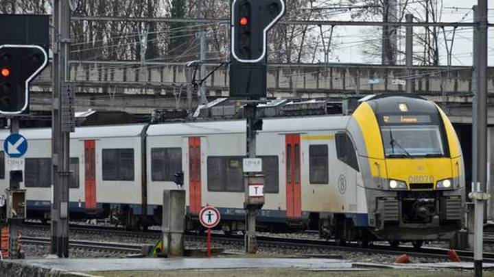 Поезд сбил человека, нарушив сообщение между Брюсселем и Лиллем