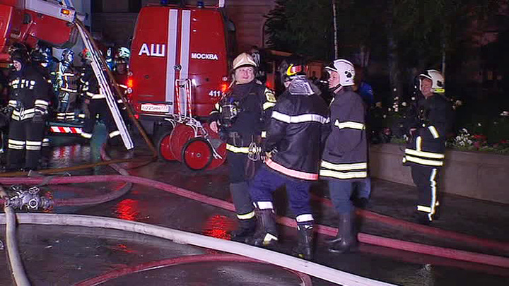 Пожар в жилом доме в центре Москвы: один человек погиб