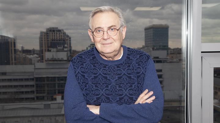 Человек у окна. Ко дню рождения Юрия Стоянова