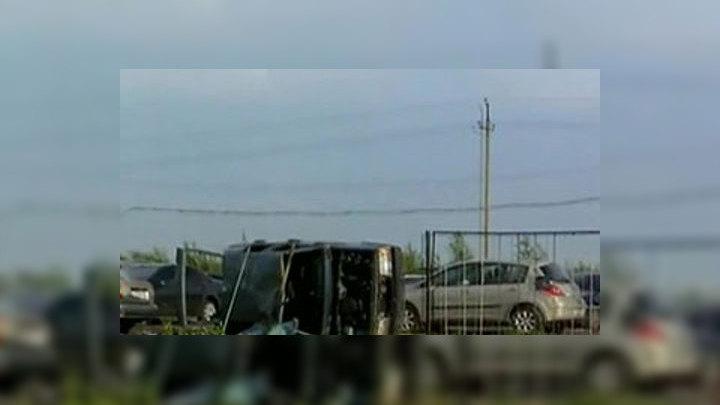 В центре Петербурга рухнувший забор повредил 7 машин