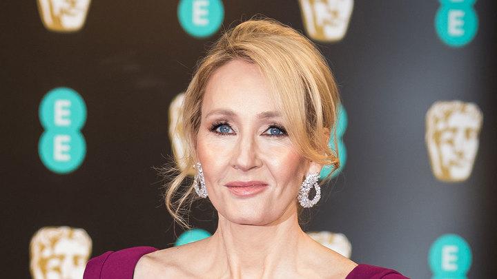 "Автор ""Гарри Поттера"" отказалась от награды из-за скандала с трансгендерами"