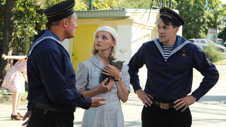 """Кадр из сериала """"Черное море"""""""