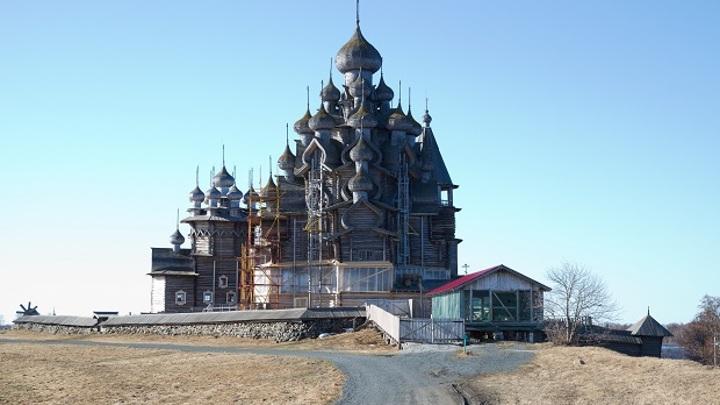 Завершена реставрация 22-главой церкви Преображения Господня на острове Кижи