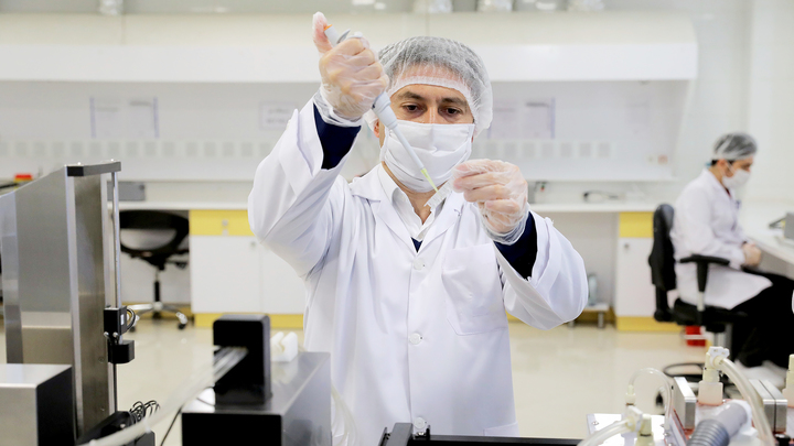 В России нет штаммов, способных обходить поствакцинальный иммунитет