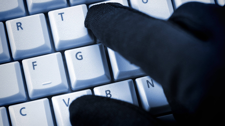 """""""Черные"""" хакеры обманом привлекли к криминалу """"белых"""""""