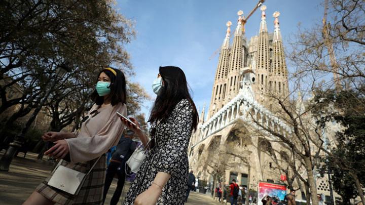 Власти Испании с сегодняшнего дня ужесточили комендантский час в Мадриде