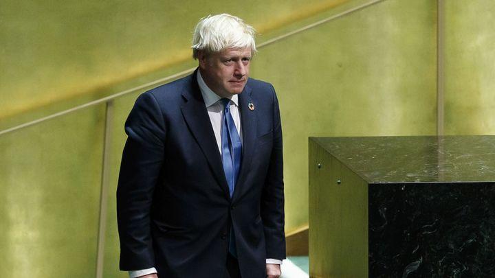 Джонсон анонсировал ослабление антиковидных мер, но только в Англии