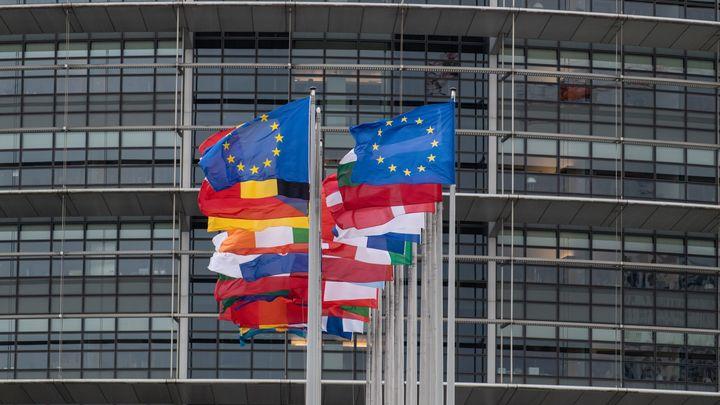 """ЕС намерен обсудить с Россией """"экономические раздражители"""""""