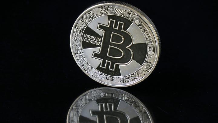 Компания главы Twitter выпустит гаджет для хранения биткоинов