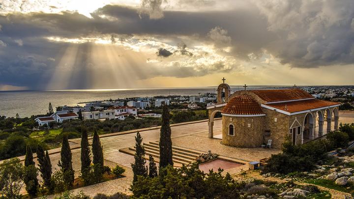 Потоки доходов россиян на Кипр обложат налогом