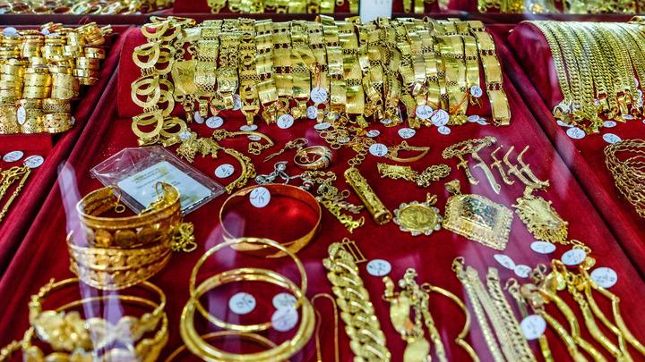 Россияне резко увеличили покупки золота в 2020 году