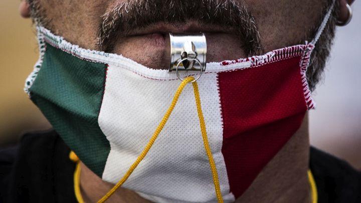 Махинатор с медицинскими масками получил реальный срок