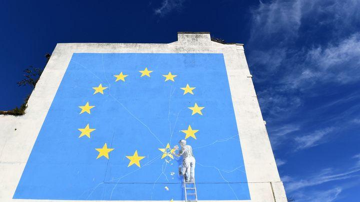 """ЕС ввёл санкции против """"высокопоставленных должностных лиц"""" России"""
