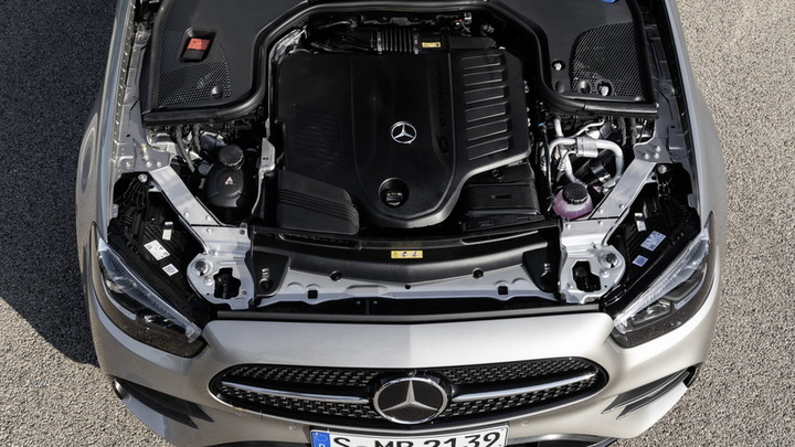 Продажи Mercedes-Benz  выросли на 25%
