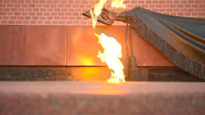 Частицу Вечного огня в Москве передадут байкерам Словакии