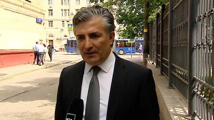 Пашаев прокомментировал протокол допроса, в котором Ефремов признает вину в ДТП