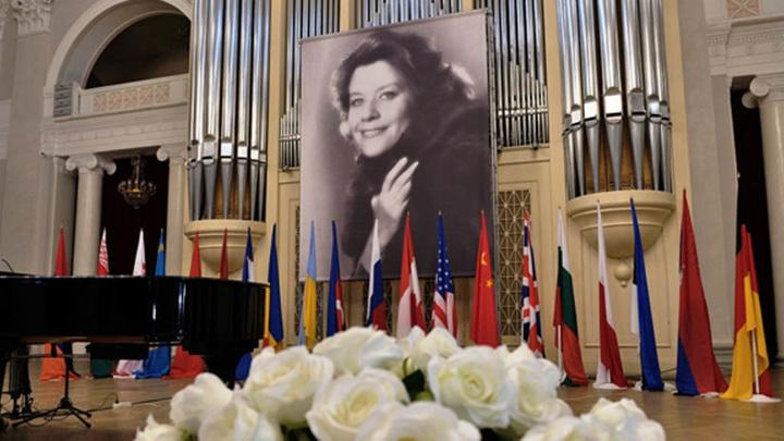 В Санкт-Петербурге открылся Международный конкурс юных вокалистов Елены Образцовой