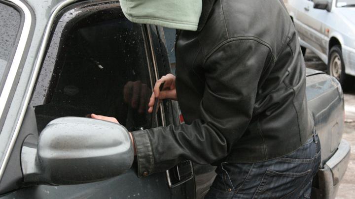 В Петербурге задержали специалистов по угонам Kia и Hyundai