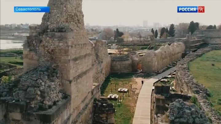 Завершена реставрация фрагмента оборонительной стены древнего Херсонеса