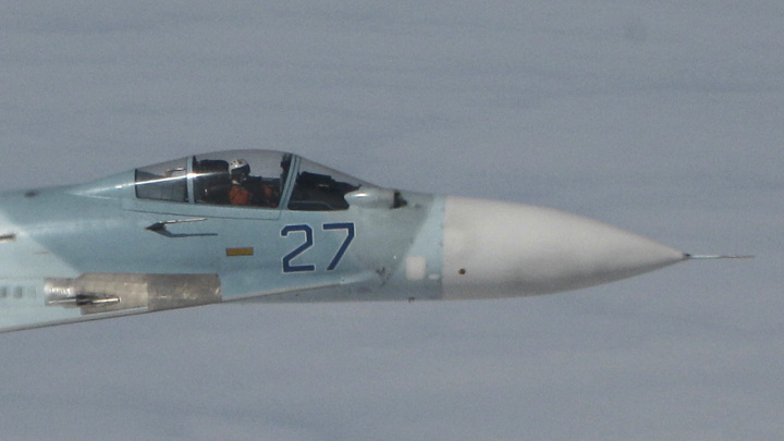 Американский разведчик перехвачен российским истребителем