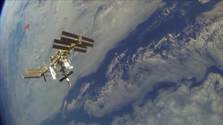 Скотч и пакеты: на МКС обклеят стены, чтобы найти утечку воздуха