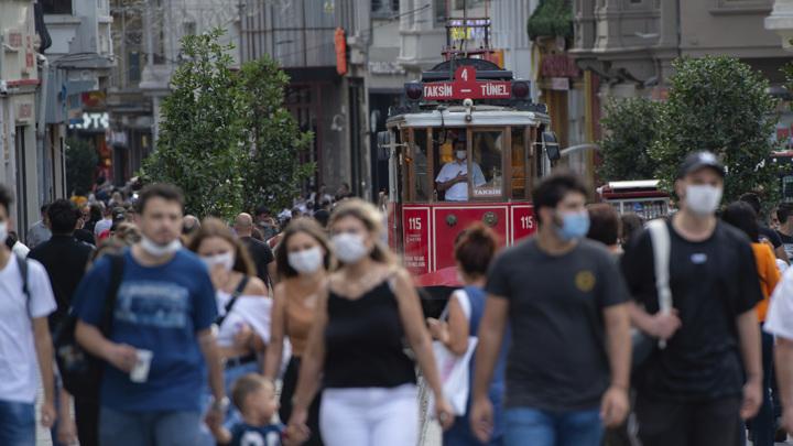 Турция изготовит собственную вакцину от коронавируса осенью