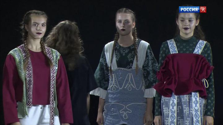 Модный показ фонда «Русский силуэт» прошел на ММКФ
