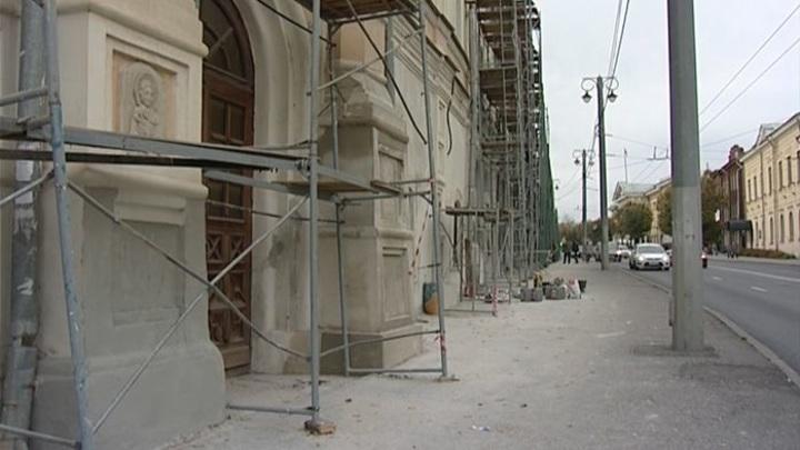 Стены древнейшего монастыря начали восстанавливать во Владимире