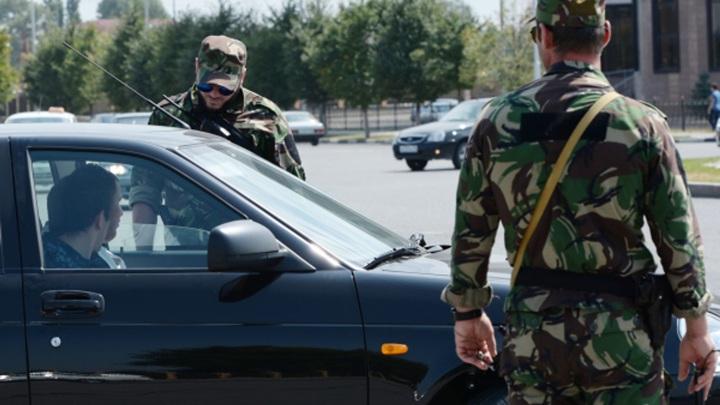 В Чечне мужчина с ножом напал на сотрудников полиции