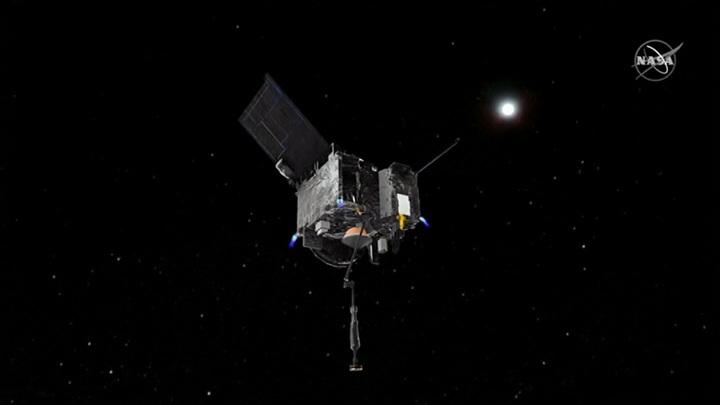 Космический зонд собрал грунт с астероида Бенну