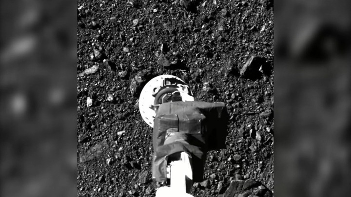 Американский зонд растерял часть грунта, собранного с астероида